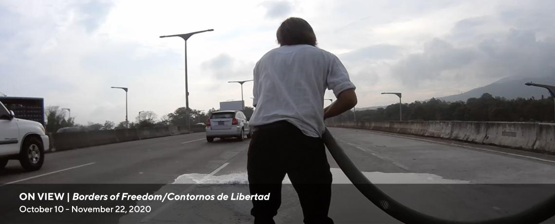 Borders of Freedom/Contornos de Libertad